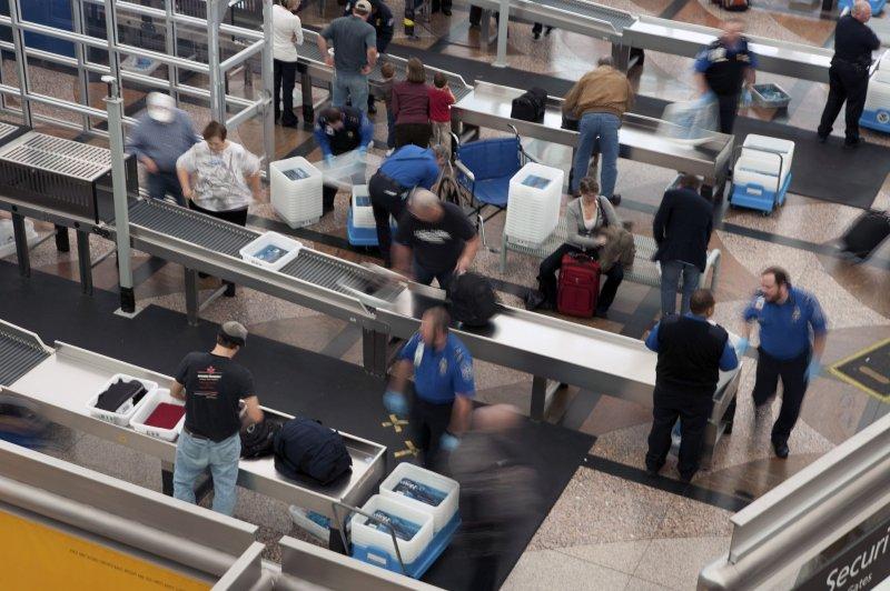 More explosive detectors for U S  airports ordered - UPI com