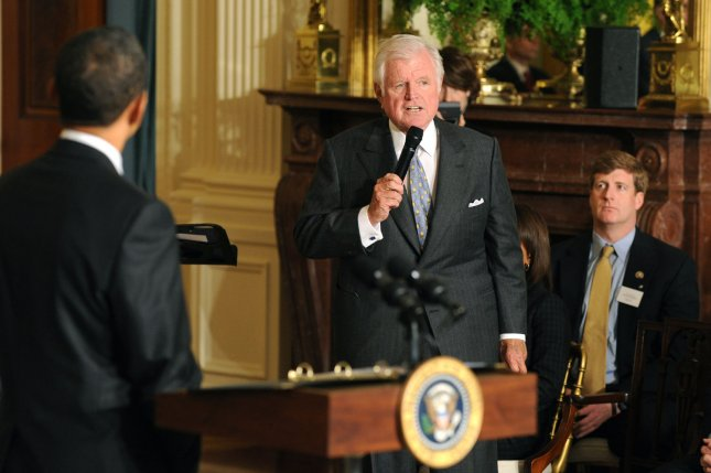 President Barack Obama (L) listens as Sen. edward Kennedy (D-MA) delivers remarks during the closing ceremony of the White House Forum on Health Reform, in the East Room at the White House in Washington on March 5, 2009. (UPI Photo/Kevin Dietsch)