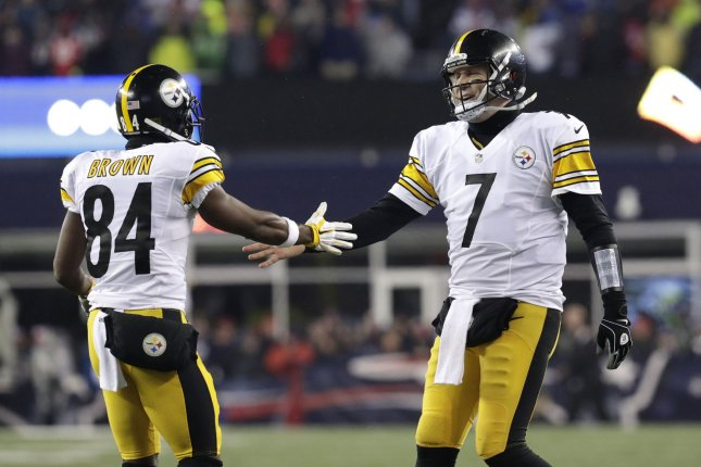 Pittsburgh Steelers star receiver Antonio Brown (84) took aim at Steelers quarterback Ben Roethlisberger (7) on social media Saturday. File Photo by John Angelillo/UPI