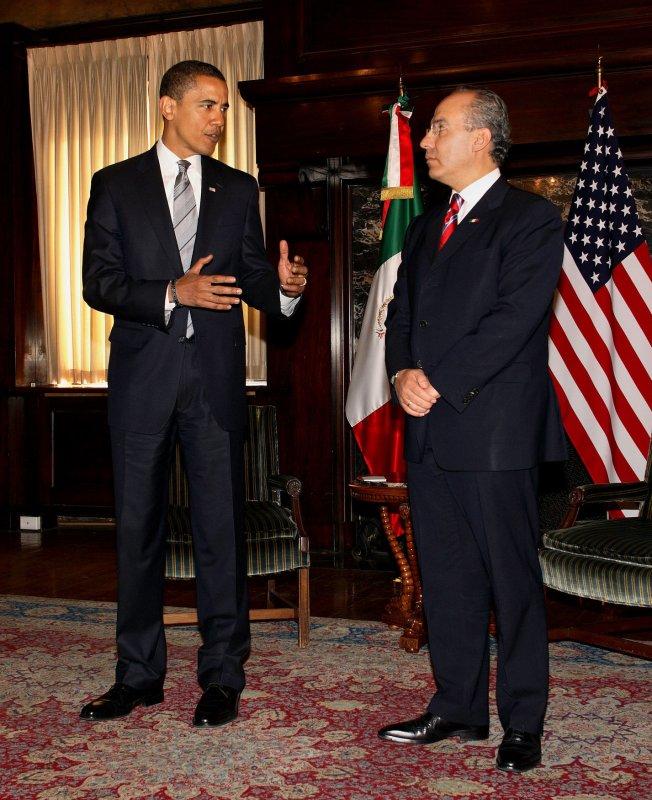 President-Elect Barack Obama meets with Mexican President Felipe Calderon (UPI Photo/Martin H. Simon/POOL)