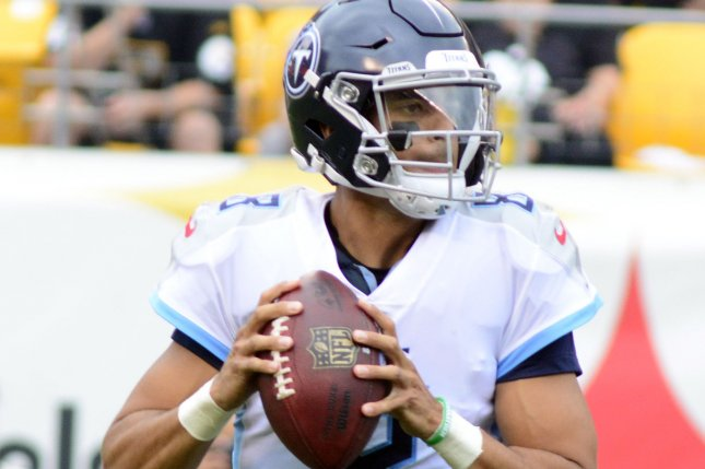Tennessee Titans quarterback Marcus Mariota (8) steps back to pass in the first quarter against the Pittsburgh Steelers on August 25, 2018 at Heinz Field in Pittsburgh. Photo by Archie Carpenter/UPI
