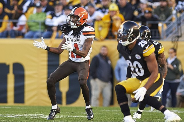 Cleveland Browns wide receiver Travis Benjamin (11) is wide open waiting for a pass from quarter back Johnny Manziel during the fourth quarter of the game against the Pittsburgh Steelers. The Steelers went on to win the game 30-9 at Heinz Field in Pittsburgh on November 15, 2015. Photo by Shelley Lipton/UPI
