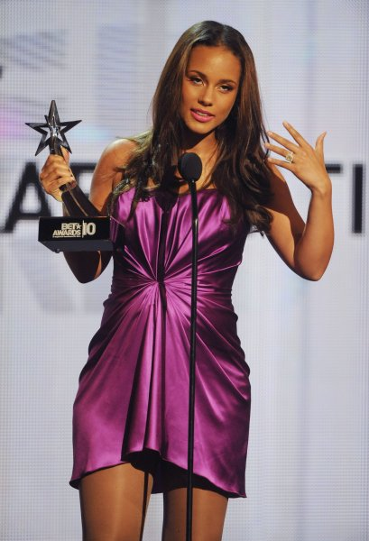Alicia Keys accepts the award for Best Collaboration at the 2010 BET Awards in Los Angeles on June 27, 2010. UPI/Jim Ruymen