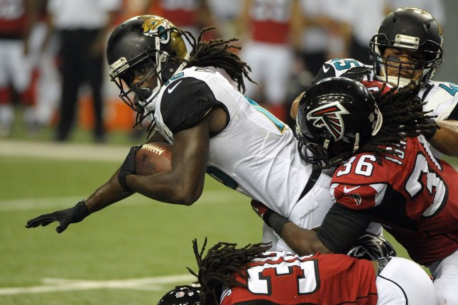 Former Jacksonville Jaguars running back Denard Robinson (16) is trying out for the New York Jets. File photo by David Tulis/UPI