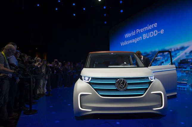 Volkswagen Apologizes For Rigging Data Using Monkeys In Diesel - Vw car show las vegas