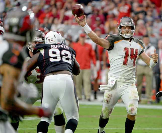 Fitzpatrick to return as Bucs' backup QB