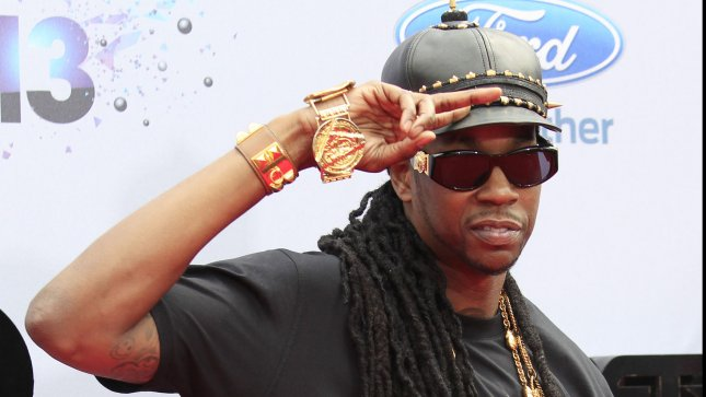 2 Chainz arrested after refusing to get off his tour bus