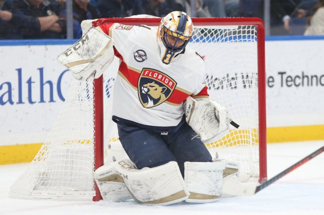 Watch Florida Panthers Goalie Roberto Luongo Saves Puck Off Referee