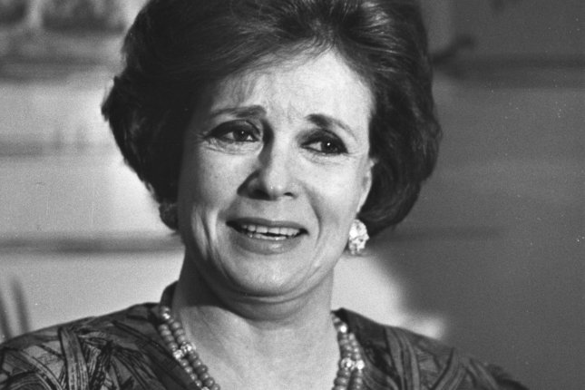 Jehan Sadat, the wife of former Egyptian leader Anwar Sadat, speaks to reporters during an event in San Francisco, Calif., on March 8, 1988. File Photo by Martin Jeong/UPI