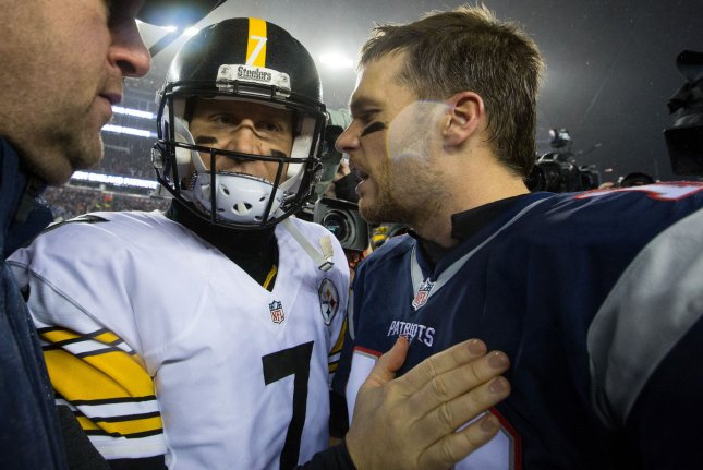 341f8028fa7 New England Patriots quarterback Tom Brady (12) shakes hands with  Pittsburgh Steelers quarterback Ben Roethlisberger (7) after the Patriots  defeated the ...
