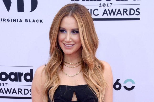 Ashley Tisdale Reunites With Lucas Grabeel to Perform 'High School Musical' Duet