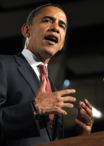 Presumptive Democratic Presidential Nominee Sen. Barack Obama, D-IL, holds a town hall-style meeting at Robinson High School in Fairfax, Virginia, on July 10, 2008. (UPI Photo/Roger L. Wollenberg)