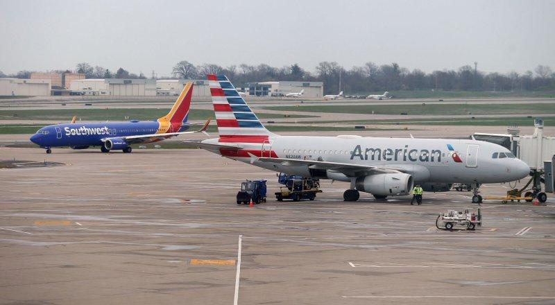 Southwest, American Airlines maintain vaccine mandates despite Texas governor's order