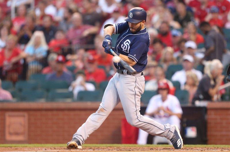 official photos 951d4 03990 Watch: Fan helps San Diego Padres' Eric Hosmer hit homer ...