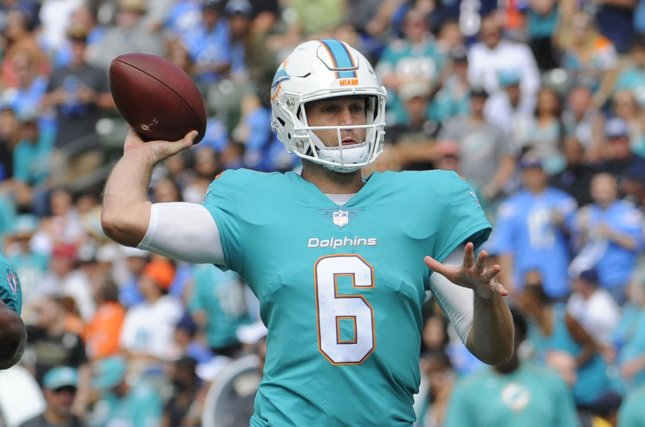 Jay Cutler Replaced vs. Buccaneers by Matt Moore After Suffering Concussion