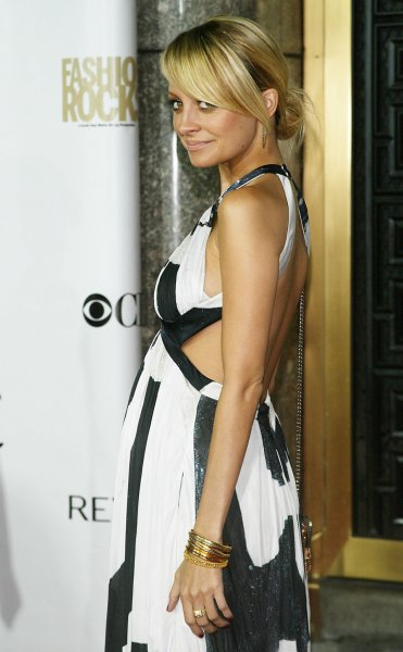 Nicole Richie arrives for the Fourth Annual Fashion Rocks Concert at Radio City Music Hall in New York on September 6, 2007. (UPI Photo/Laura Cavanaugh)