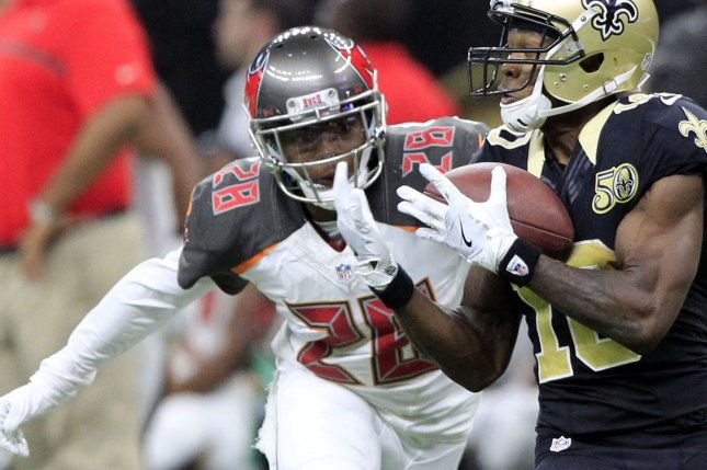 Tampa Bay Buccaneers cornerback Vernon Hargreaves tries to break up a pass during a game against the New Orleans Saints in 2016. Photo by AJ Sisco/UPI