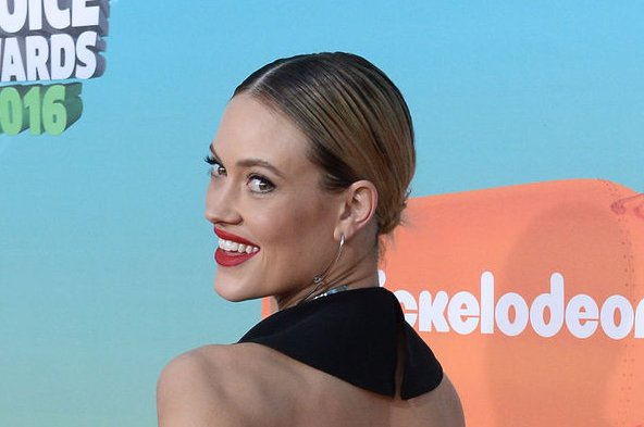 Peta Murgatroyd at the Nickelodeon Kids' Choice Awards on March 12. The dancer is expecting with Maksim Chmerkovskiy. File Photo by Jim Ruymen/UPI