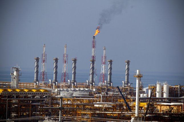 U.S.  oil inventories unexpectedly increase