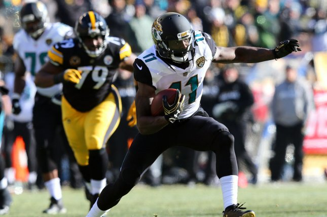 Jacksonville Jaguars wide receiver Marqise Lee (11) makes a move after  making a catch against the Pittsburgh Steelers in the first quarter of the  AFC ... e37fb74e3