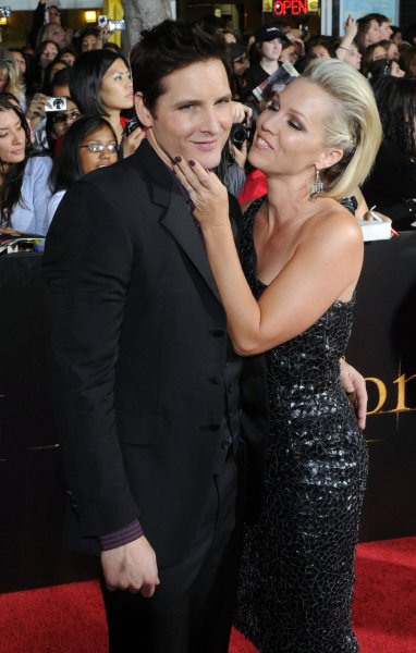Jennie Garth Blindsided By Divorce Request From Peter Facinelli