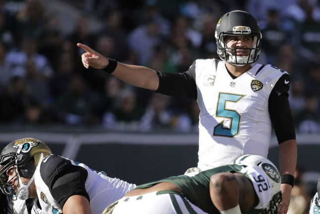 Jacksonville Jaguars quarterback Blake Bortles (5) calls out to the offense  in the first half against the New York Jets on November 8 f5aca0e28