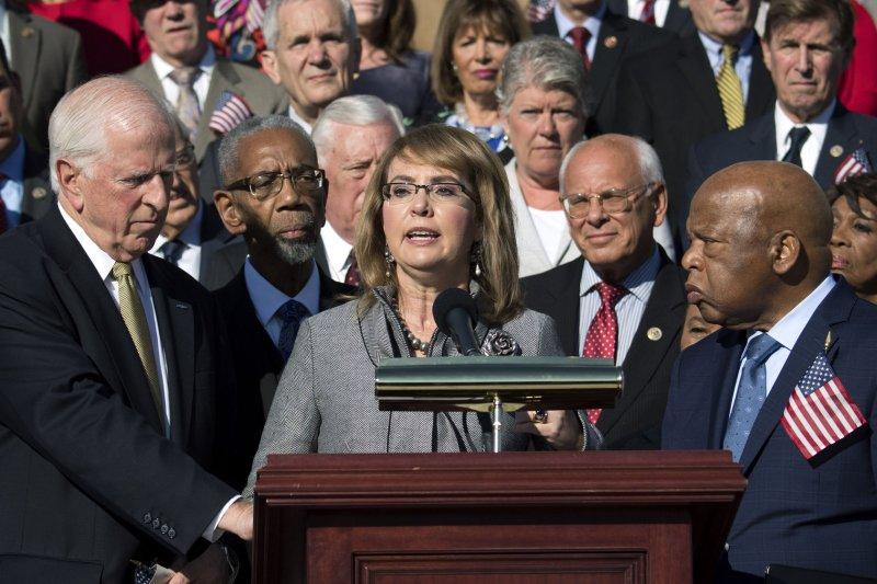 Cool House Democrats Pushing Gun Control After Las Vegas Mass Home Interior And Landscaping Transignezvosmurscom