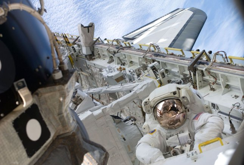 astronauts sleeping compartment - photo #19