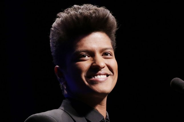 Bruno Mars, The Time pay tribute to Prince at Grammys