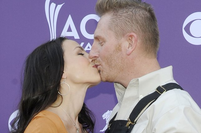 (L-R) Singers Joey Feek and Rory Feek of Joey & Rory arrive at the 48th annual Academy of Country Music Awards at the MGM Hotel in Las Vegas on April 7, 2013. Photo by David Becker/UPI