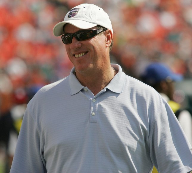 Former Buffalo Bills quarterback Jim Kelly watches a game from the sidelines back in 2007. File photo by Susan Knowle
