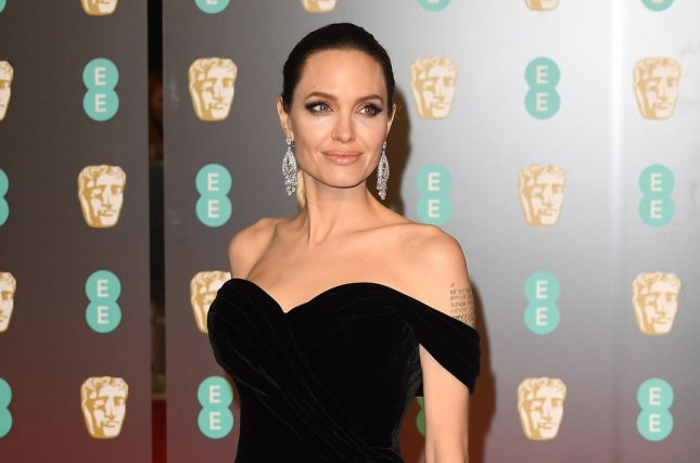 Angelina Jolie Says She's 'Open' to Future in Politics, Sets Off Twitterstorm
