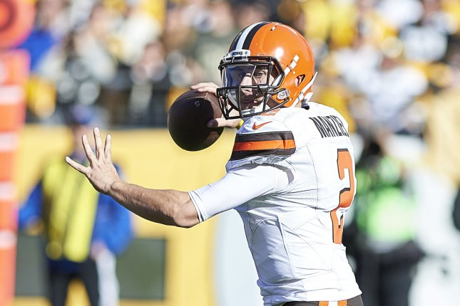 Cleveland Browns quarterback Johnny Manziel (2) passes to Travis Benjamin for 6 yards during the first quarter against the Pittsburgh Steelers at Heinz Field in Pittsburgh on November 15, 2015. Photo by Shelley Lipton/UPI