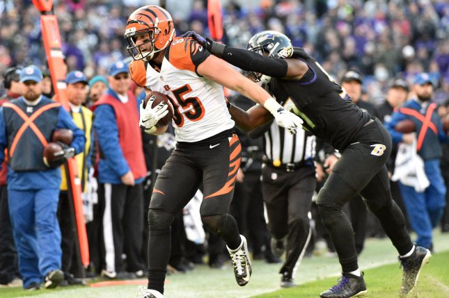 Baltimore Ravens linebacker C.J. Mosley (R) pushes Cincinnati Bengals tight end Tyler Eifert (85) out of bounds during the second half of their NFL game on November 27, 2016 at M&T Bank Stadium in Baltimore, Maryland. File photo by David Tulis/UPI