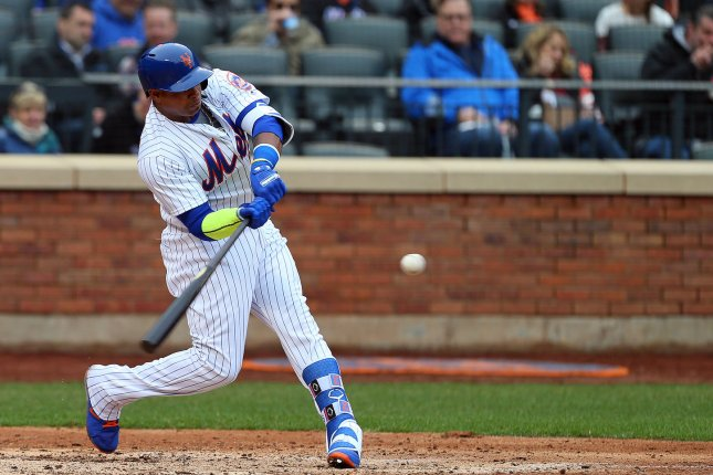 Yoenis Cespedes removed from Mets game with left thumb injury