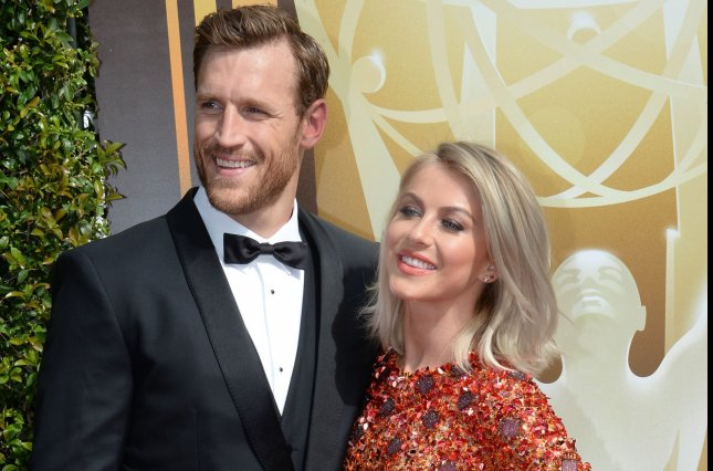 Julianne Hough's ideal wedding kiss