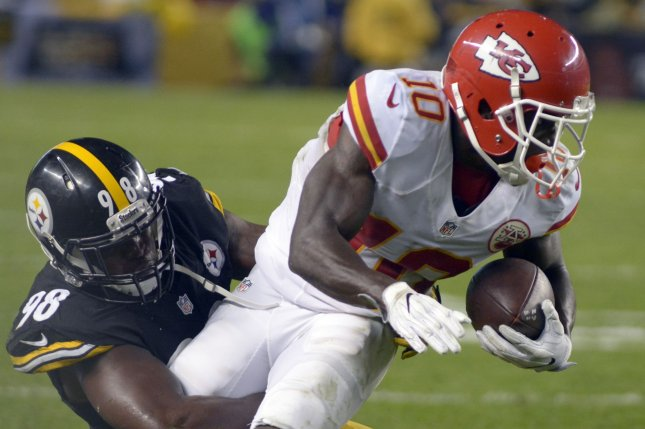 0efcf30af Pittsburgh Steelers inside linebacker Vince Williams (98) brings down  Kansas City Chiefs wide receiver Tyreek Hill (10) during the second quarter  on October ...