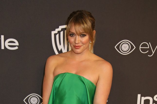 Hilary Duff Flaunts PDA with Ely Sandvik, Bares Hot Bikini Body!