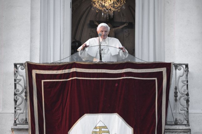 Pope Benedict XVI adresses followers for the last time as head of the Catholic Church from his retierment residence in Castel Gandolfo, Italy, February 28, 2013. UPI/Stefano Spaziani