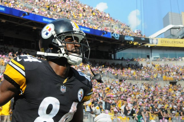 Former Pittsburgh Steelers wide receiver Antonio Brown (84) raved about quarterback Derek Carr after OTAs on Tuesday. Photo by Archie Carpenter/UPI