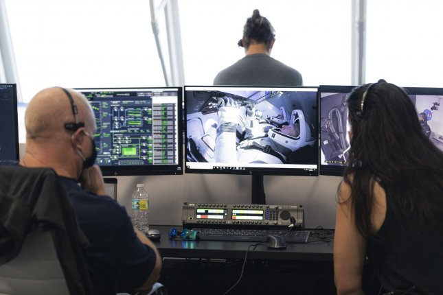 https://cdnph.upi.com/svc/sv/upi/3541590502450/2020/4/ef6420cc799a38131687c77cbc230885/Watch-live-NASA-SpaceX-ready-for-astronauts-historic-launch-from-US.jpg