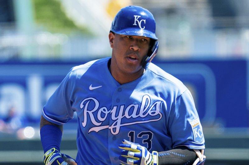 Royals' Salvador Perez ties Johnny Bench's single-season HR record for catchers