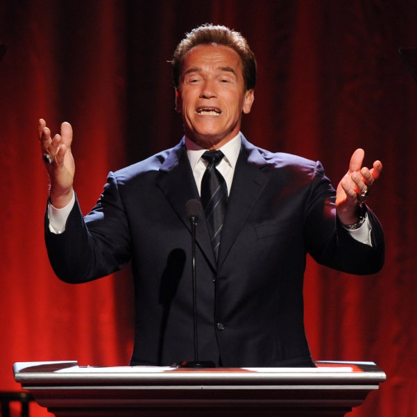 Actor and California Governor Arnold Schwarzenegger speaks at the Noche De Ninos benefit gala in Beverly Hills, California on May 9, 2009 (UPI Photo/Jim Ruymen)