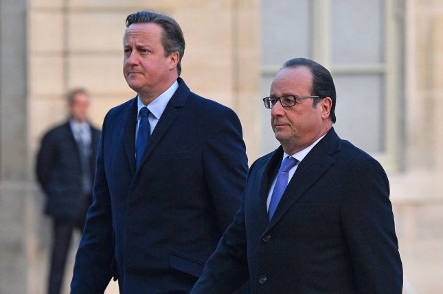 French President Francois Hollande (R) and British Prime Minister David Cameron at the Elysee Palace in Paris on November 23, 2015. The two leaders discussed security co-operation and intelligence sharing in light of the recent terrorist attack in the city. Photo by David Silpa/UPI