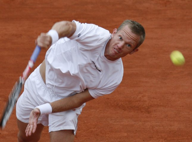 Thomas Johansson, shown playing in the 2008 French Open, on Friday announced his retirement from competitive tennis. (UPI Photo/ David Silpa)