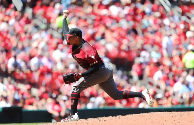 arizona diamondbacks taijuan walker finally gets one at home in win over san francisco giants. Black Bedroom Furniture Sets. Home Design Ideas