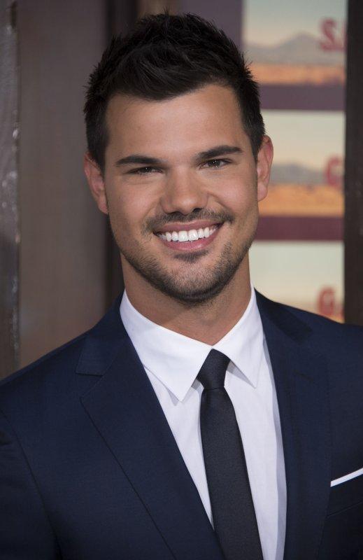 Taylor Lautner cast in 'Scream Queens' Season 2 - UPI com