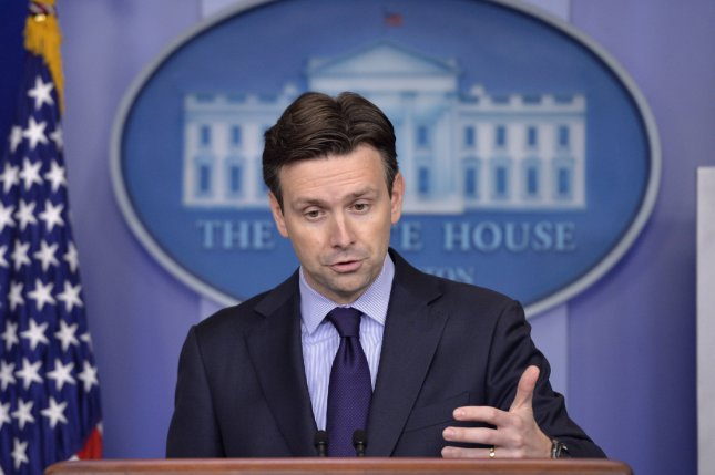 White House Press Secretary Josh Earnest stresses decisions on U.S. crude oil exports rest with the Commerce Department. Photo by Kevin Dietsch/UPI