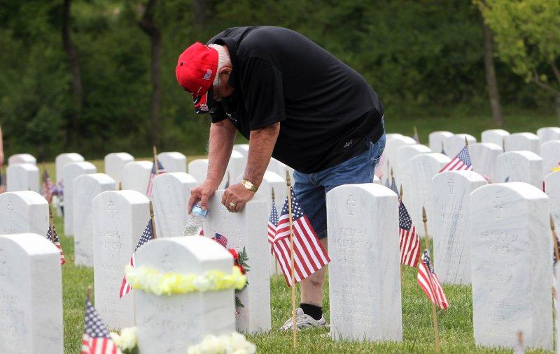 NY man files 122 federal tax returns of dead people for $217,520. UPI/Bill Greenblatt
