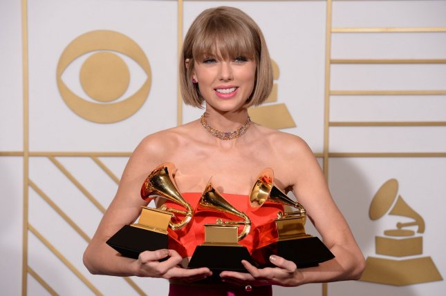 Taylor Swift's social media accounts go dark